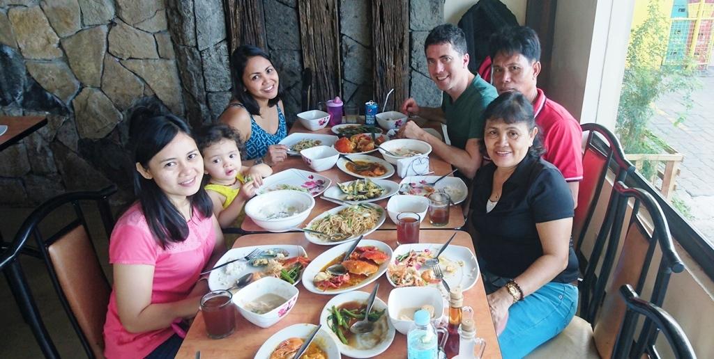 Family bonding in Manila