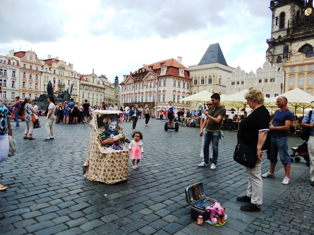 Good time in the old town at the Our Lady of Tyn square