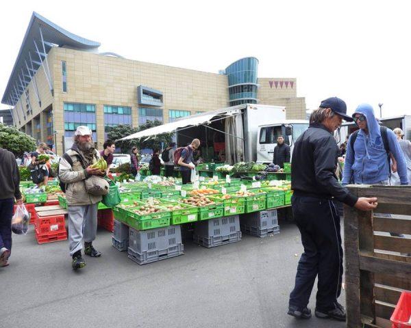 Fresh market in Wellington