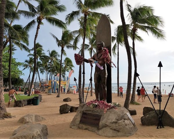 The legendary Duke Kahanamoku statue in the heart of Waikiki