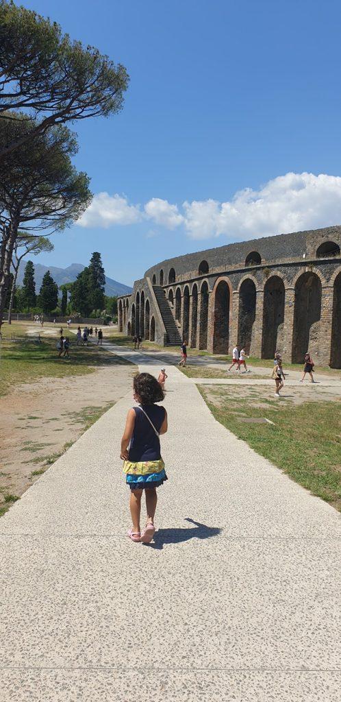 Lara at Pompei